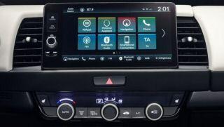 Honda Makes U-Turn on Touchscreens