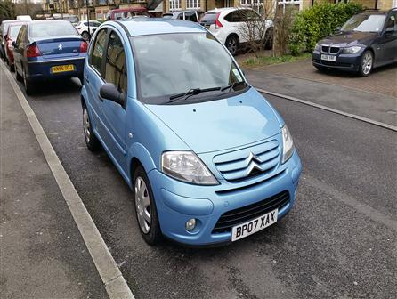 2014CitroenC3One previous owner, Full service history. 6 Months MOT, 12 months tax. , , This car does 76 to the gallon. So incredibly fuel efficient. , , 12 month rate for tax is �30.00 , , This is a really nice car which runs really well. It has a light scuff on the front bumper which has been covered up. Please see pictures for details. I have taken money off for this. , , 2 Keys, No ADVISORIES on MOT, Air-Conditioning, Climate control, Alarm, Immobiliser, CD Player, MP3, Electric Windows, Electric door mirrors, Central locking, Remote central locking, Power steering, Airbags, ABS, Child locks & Isofix system, Folding rear seats, 3x3 point rear seat belts, Height adjustable drivers seat, Front fog lighblue