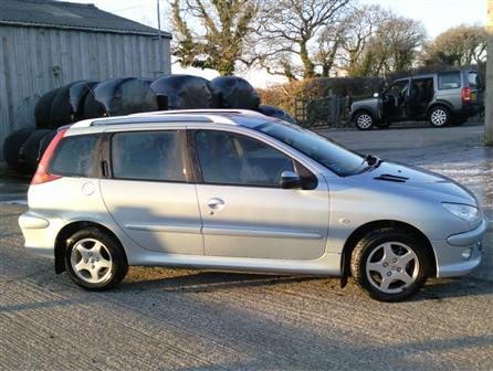 2003 Peugeot 206 Sw. Used 2006(06) Peugeot 206 SW